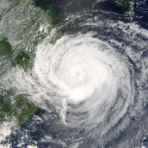 Typhoon_Rananim_2004