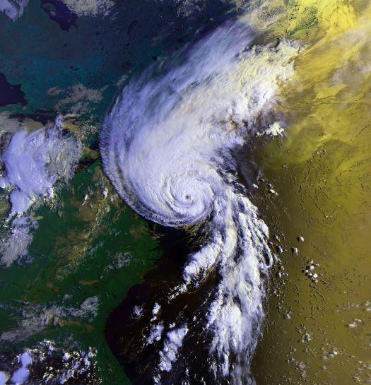 Hurricane Bob races toward New England on Aug. 19, 1991 (NOAA)