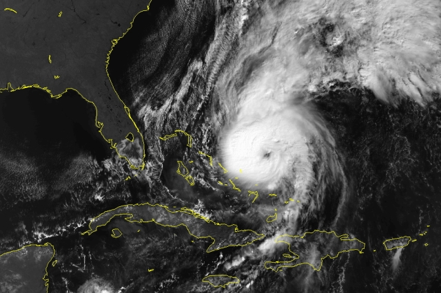 Hurricane Lili at Catagory 3 status east of the Bahamas, Oct. 19, 1996 (NOAA)
