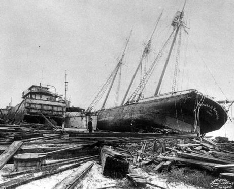 Ship stranded by storm surge of 1921 hurricane (Florida State Archives)